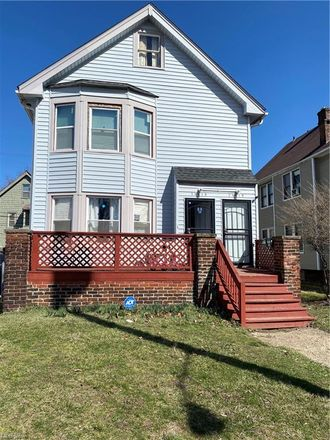 Rent this 4 bed duplex on 11913 Shadeland Avenue in Cleveland, OH 44108
