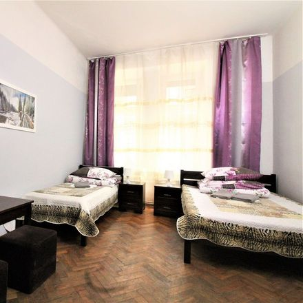 Rent this 3 bed room on Smoleńsk 35 in 31-112 Krakow, Poland