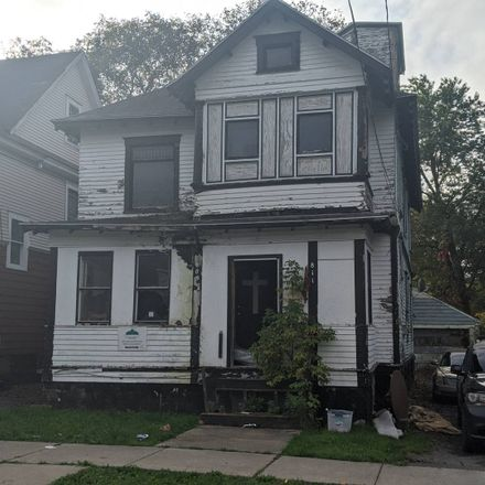 Rent this 4 bed townhouse on E Colvin St in Syracuse, NY