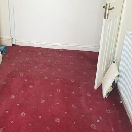 Rent this 3 bed house on Back Grouse Street in Bradford BD21 3EW, United Kingdom