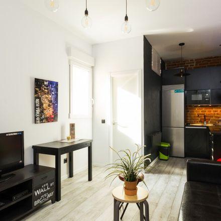 Rent this 1 bed apartment on Escuela Municipal de Música Almudena Cano in Pasaje de Tortosa, 28001 Madrid