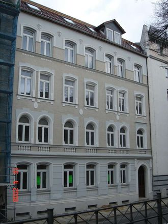 Rent this 3 bed apartment on Allgemeines Syndikat Halle/Saale (FAU) in Ludwigstraße 37, 06110 Halle (Saale)