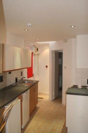 Rent this 1 bed apartment on Back Headingley Mount in Leeds LS6 3EP, United Kingdom