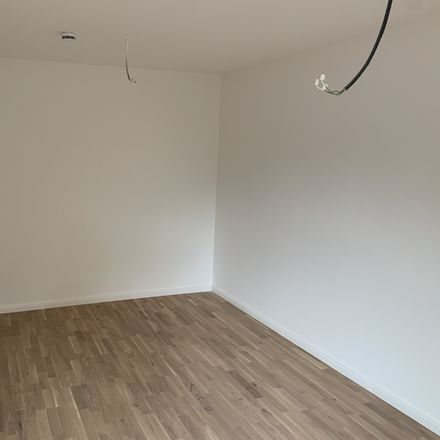 Rent this 2 bed apartment on Schweinske Kundenparkplatz in Von-Sauer-Straße, 22761 Hamburg