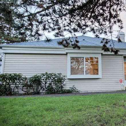 Rent this 3 bed condo on 5406 South 237th Place in Kent, WA 98032