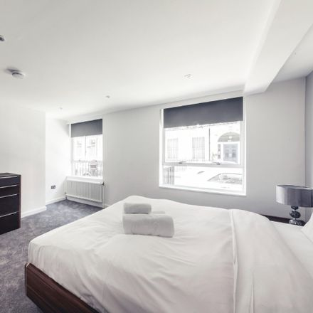 Rent this 3 bed apartment on 40-41 Wimpole St in Marylebone, London W1G 8AB