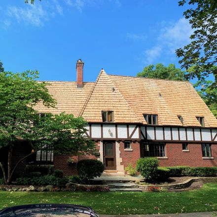 Rent this 3 bed house on 935 Tower Road in Winnetka, IL 60093