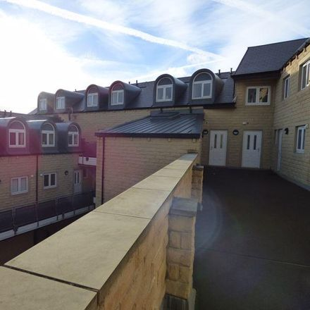 Rent this 2 bed apartment on Wakefield Road in Calderdale HX3 8DY, United Kingdom