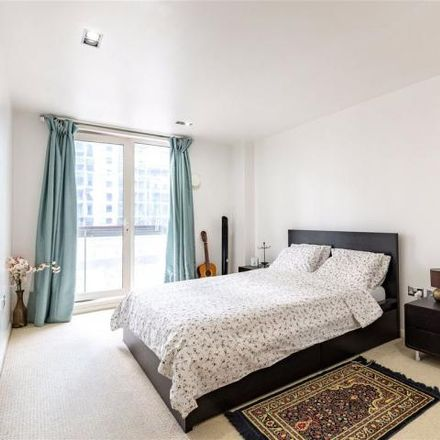 Rent this 1 bed apartment on City Tower in Cubitt Town, 3 Limeharbour