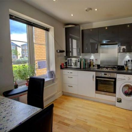 Rent this 2 bed apartment on Myrke in Slough, England