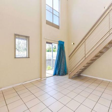 Rent this 2 bed apartment on unnamed road in Douglasdale Ext 99, Randburg