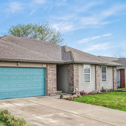 Rent this 3 bed house on W Brook Ct in Springfield, MO