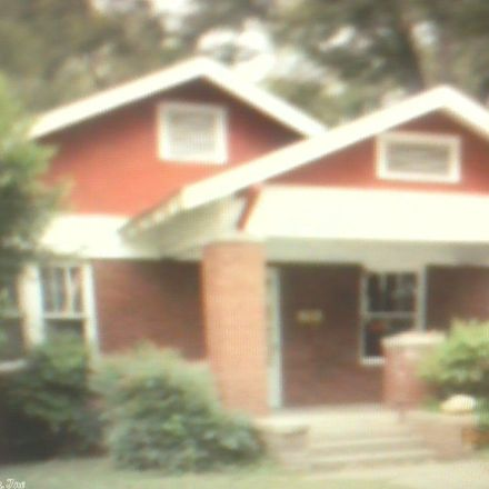 Rent this 3 bed house on 124 South Johnson Street in Little Rock, AR 72205