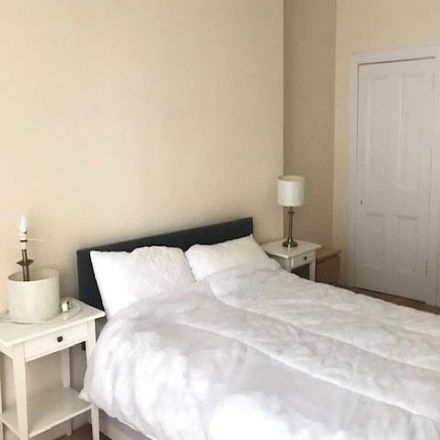 Rent this 2 bed apartment on 87 Bruntsfield Place in City of Edinburgh EH10 4EP, United Kingdom