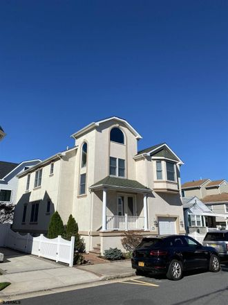 Rent this 4 bed house on 128 North Woodcrest Avenue in Longport, NJ 08403