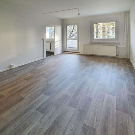 Rent this 3 bed apartment on Helbigsdorfer Weg 10 in 01169 Dresden, Germany