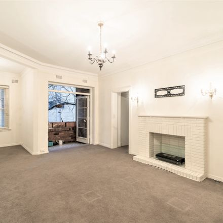 Rent this 2 bed apartment on 3/22 Greenoaks Avenue