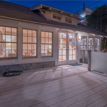 Rent this 2 bed duplex on 2553 3rd Street in Santa Monica, CA 90405