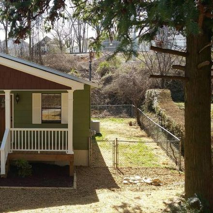 Rent this 3 bed house on 807 Liberty Street in Chattanooga, TN 37405