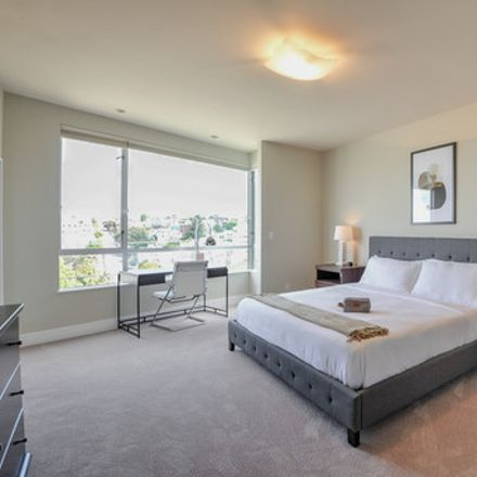 Rent this 3 bed apartment on 600 De Haro Street in San Francisco, CA 94124