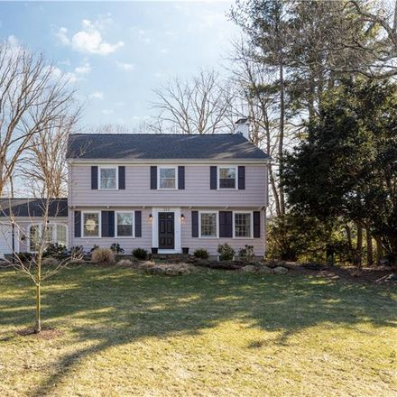 Rent this 3 bed house on 258 Highland Avenue in Warwick, RI 02886