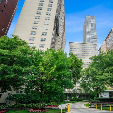 Rent this 1 bed condo on 3950 North Lake Shore Drive in Chicago, IL 60613