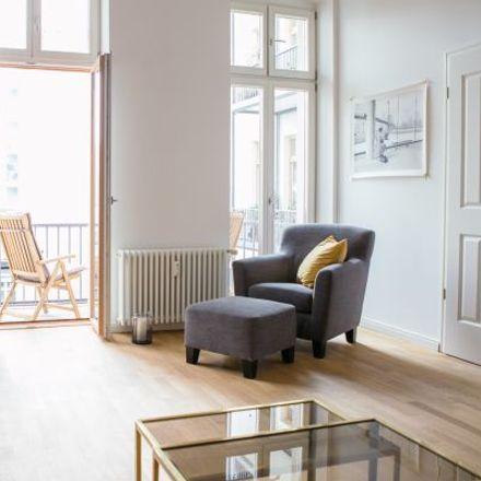 Rent this 2 bed apartment on Asia Feinkost - Obst & Gemüse in Uhlandstraße 125, 10717 Berlin