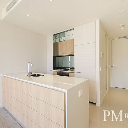 Rent this 1 bed apartment on 605/211-223 Pacific Highway