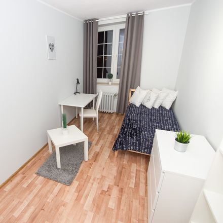 Rent this 3 bed room on Piwna 24 in 80-831 Gdansk, Poland
