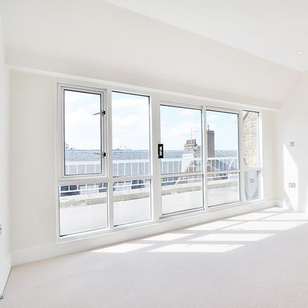 Rent this 2 bed apartment on Westchester House in 70-86 Seymour Street, London W2 2JG