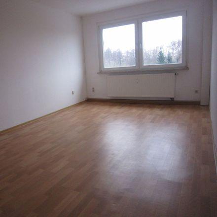 Rent this 2 bed apartment on Steinbacher Straße 38 in 04567 Kitzscher, Germany