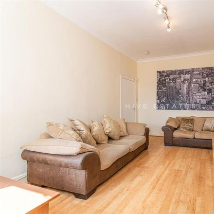 Rent this 3 bed apartment on Doncaster Road in Newcastle upon Tyne NE2 1RA, United Kingdom