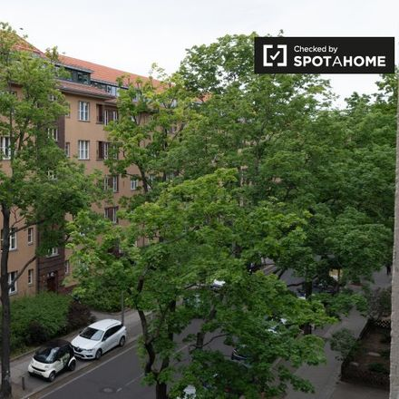 Rent this 0 bed apartment on Kita Rheingaustraße in Rheingaustraße, 12163 Berlin