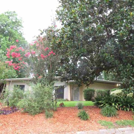 Rent this 3 bed house on 3833 Dunwoody Drive in Pensacola, FL 32503