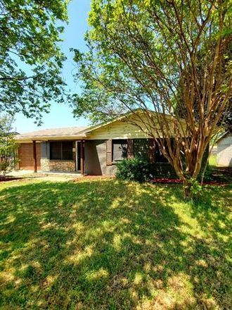 Rent this 3 bed house on 117 East Vista Drive in Garland, TX 75041