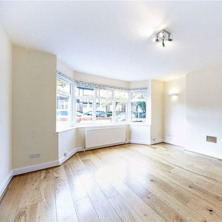 Rent this 3 bed apartment on Gracefield Gardens in London SW16 2TA, United Kingdom
