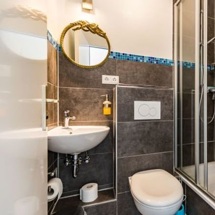 Rent this 2 bed apartment on Hoheluftchaussee 125 in 20253 Hamburg, Germany