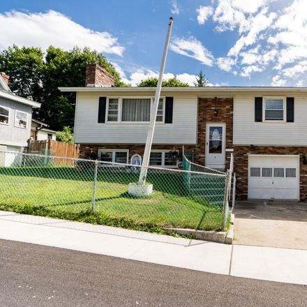 Rent this 3 bed house on 2 Dubuque St in Rensselaer, NY