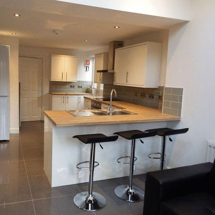 Rent this 6 bed house on 14 Claude Street in Wollaton NG7 2LB, United Kingdom