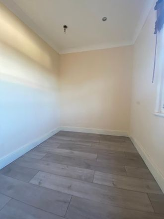 Rent this 1 bed apartment on Griffin House in Midhurst Avenue, London CR0 3PR