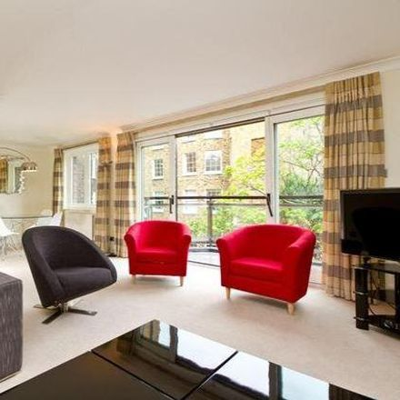 Rent this 2 bed apartment on The Bath & Racquets Club in 49 Brook's Mews, London W1K 4AL