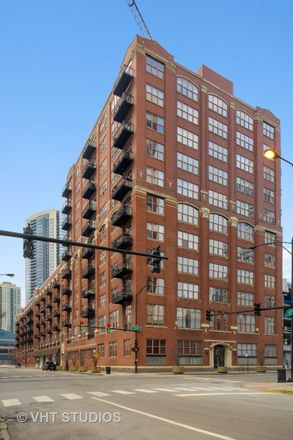 Rent this 2 bed loft on 360 West Illinois Street in Chicago, IL 60654