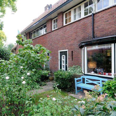 Rent this 3 bed apartment on Castorstraat 33 in 1223 EW Hilversum, Netherlands