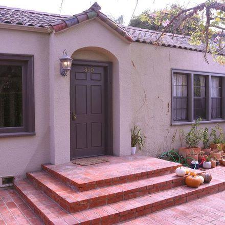 Rent this 1 bed condo on N la Jolla Ave in Los Angeles, CA