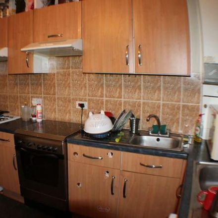 Rent this 7 bed house on 15 Moor Oaks Road in Sheffield S10 1BX, United Kingdom