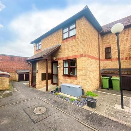 Rent this 2 bed apartment on Postern Close in Fareham PO16 9NB, United Kingdom