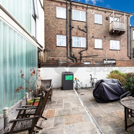 Rent this 2 bed apartment on Florence Mews in London N1 4FA, United Kingdom