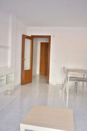 Rent this 4 bed apartment on Calle de Hernán Cortés in 28802 Alcalá de Henares, Spain