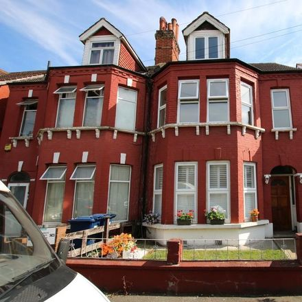 Rent this 3 bed apartment on 21 Ash Grove in London NW2 3LL, United Kingdom