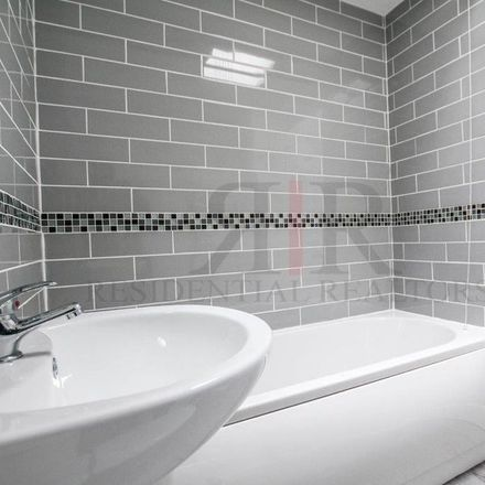 Rent this 4 bed apartment on NTCG Brixton Community Church in Glanville Road, London SW2 5DF